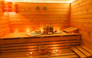Selbst in kleinen Kellerräumen ist Platz für eine 2 Personen Sauna