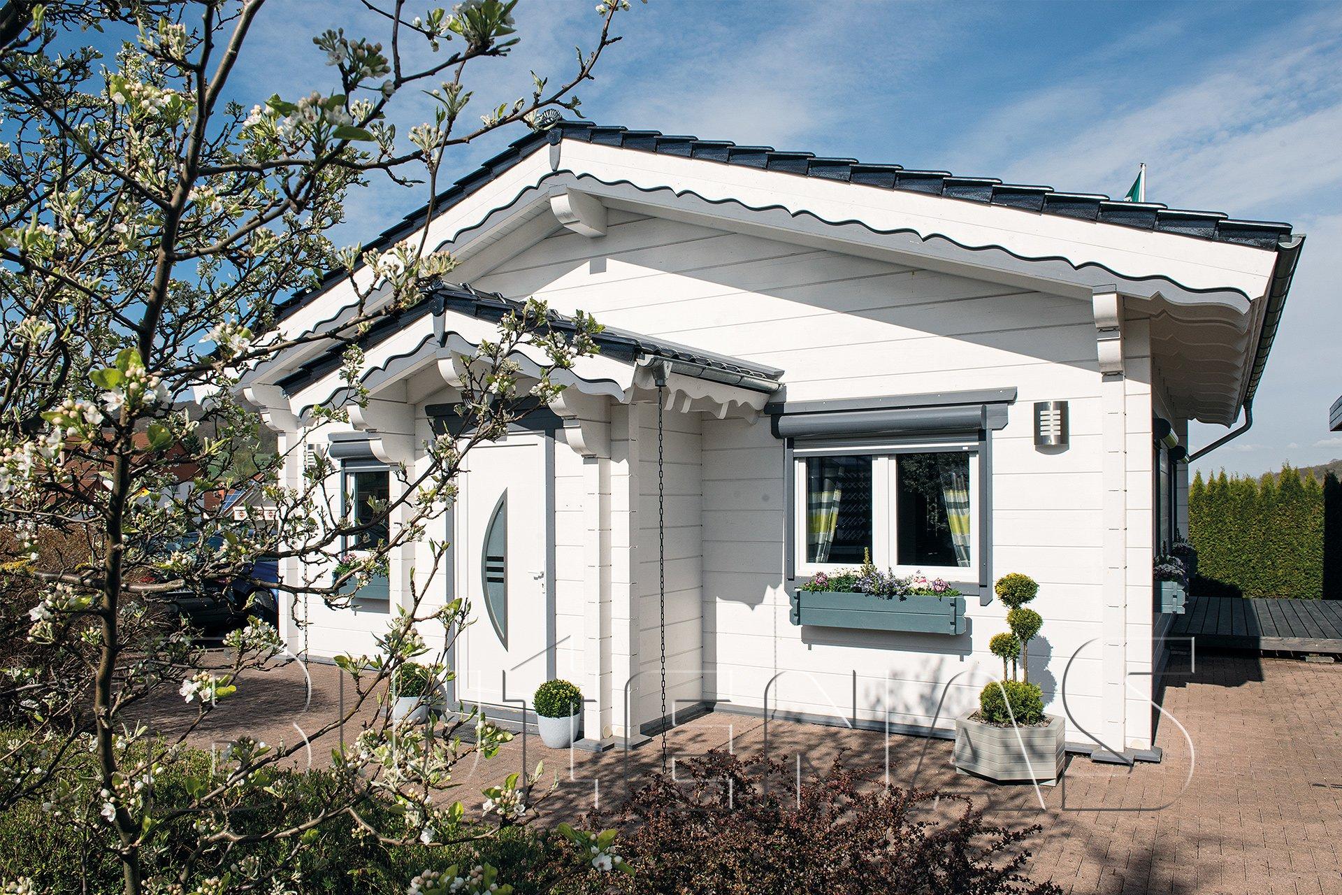 Wohnhaus - Wohnblockhaus Remona