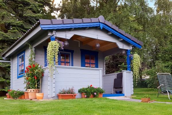 Gartenhaus NIDA T mit Terrasse
